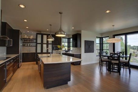 clubview kitchen and eating [1600x1200].jpg